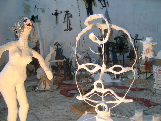http://www.lara-vincy.com//images/evenement/115/carrousel/7_mosner_sculptures2.jpg